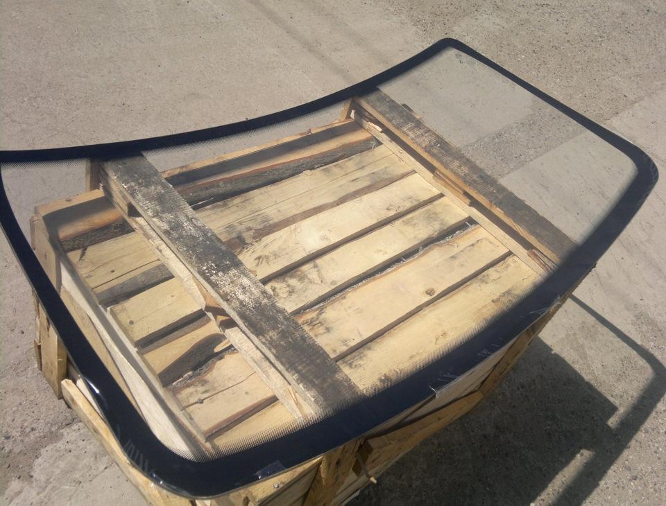 Лобовое стекло на тойота версо 2012