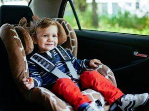 Как правильно установить автокресло для ребенка?